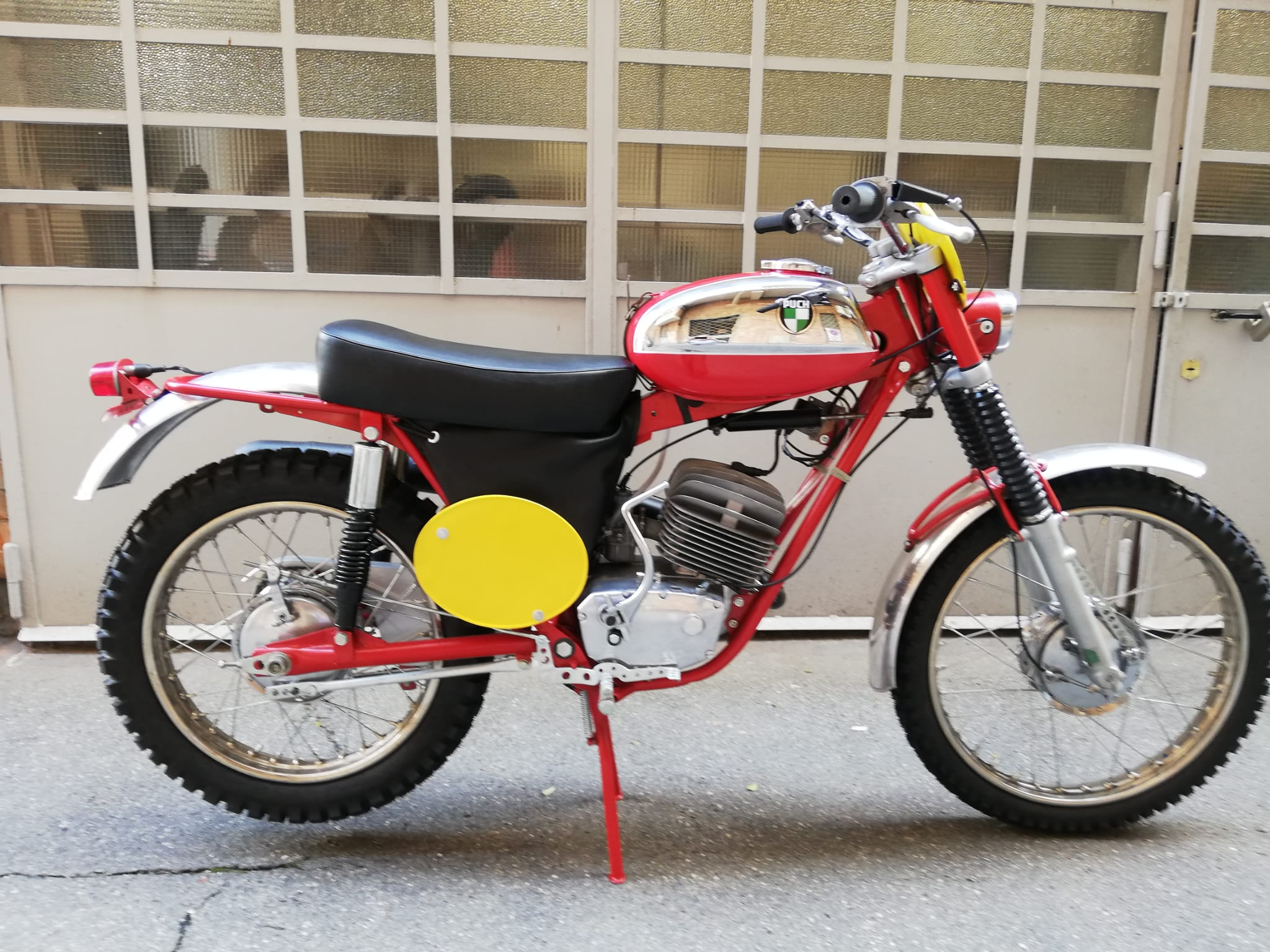 Rizzi-Design-Puck-1968-Fase-07-15
