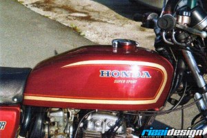 011 - Honda - Retrò