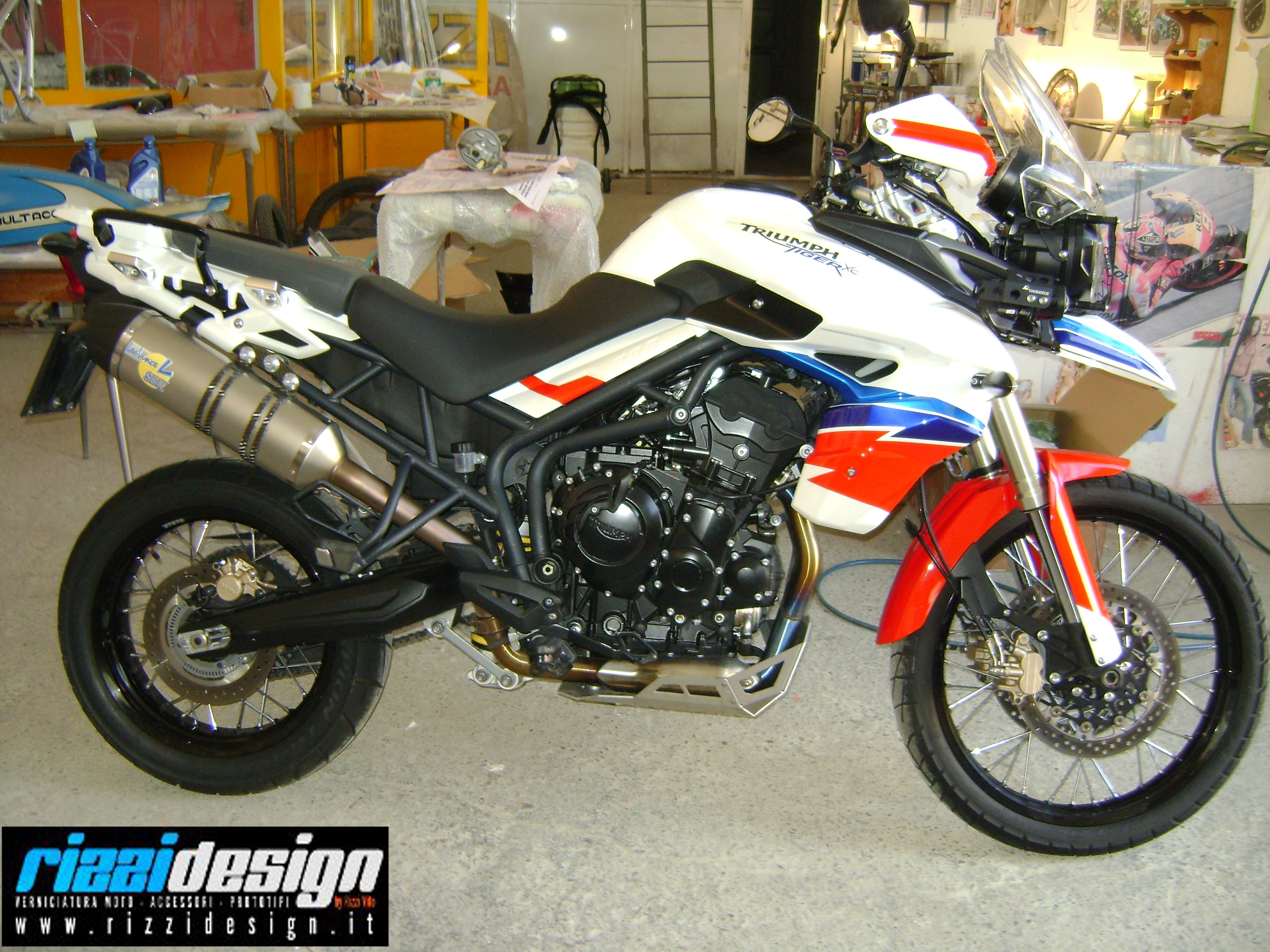 TRIUMPH TIGER 800 colorazione #RIZZIDESIGN!